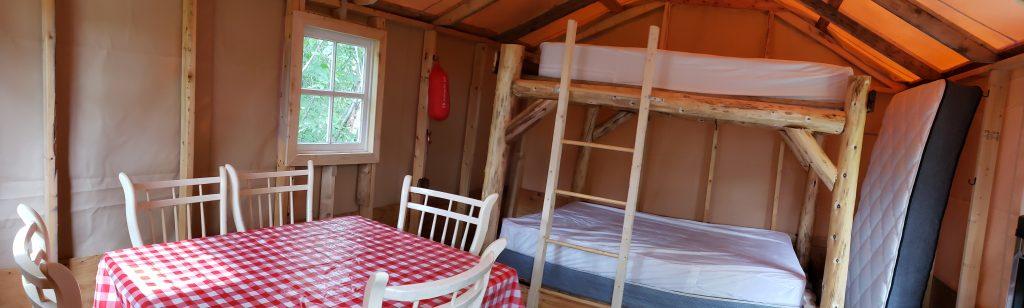 Campement intérieur